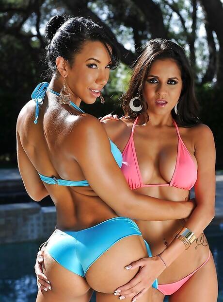 Sexy Latina Bikini Pictures