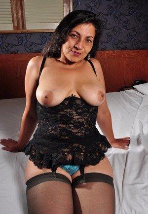 Latina Mature Pictures